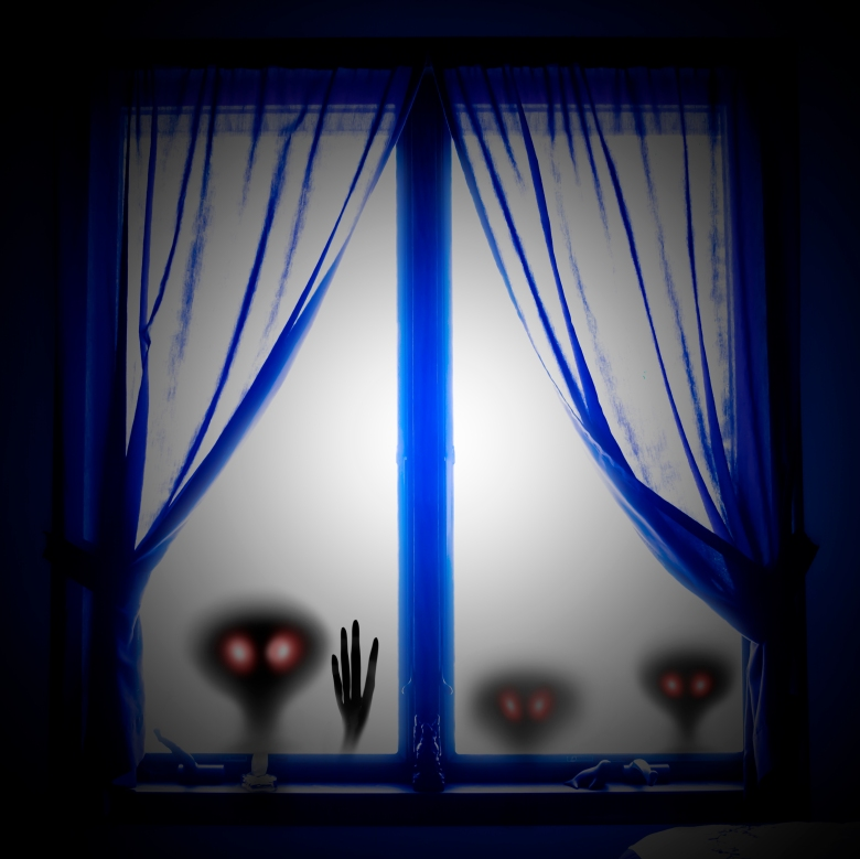 Aliens in the window bordered